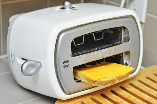 Lunch Tip from Jamie Oliver: Toaster Cheese Sandwiches