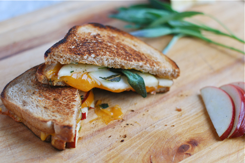 'Psycho' Recipes: Grilled Cheese with Sage and Apples