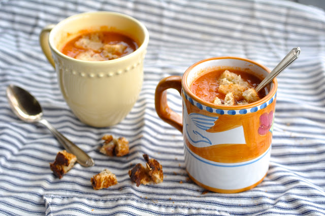 Creamy Tomato Soup & Grilled Cheese Croutons